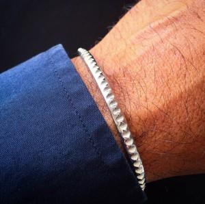 wristshot-7d-line-nighht